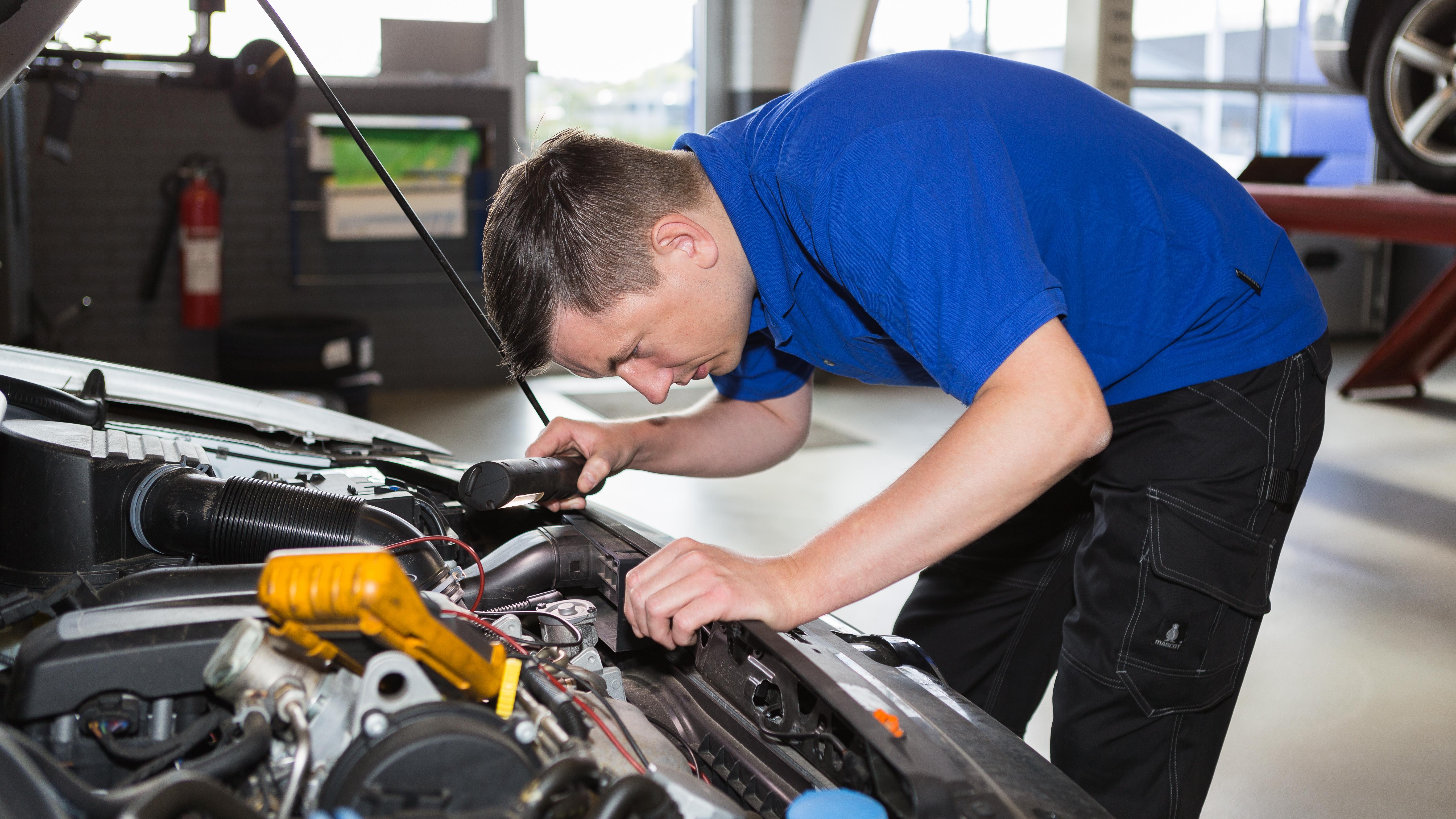 Autoreparation Mekaniker Autoværksted i Aalborg