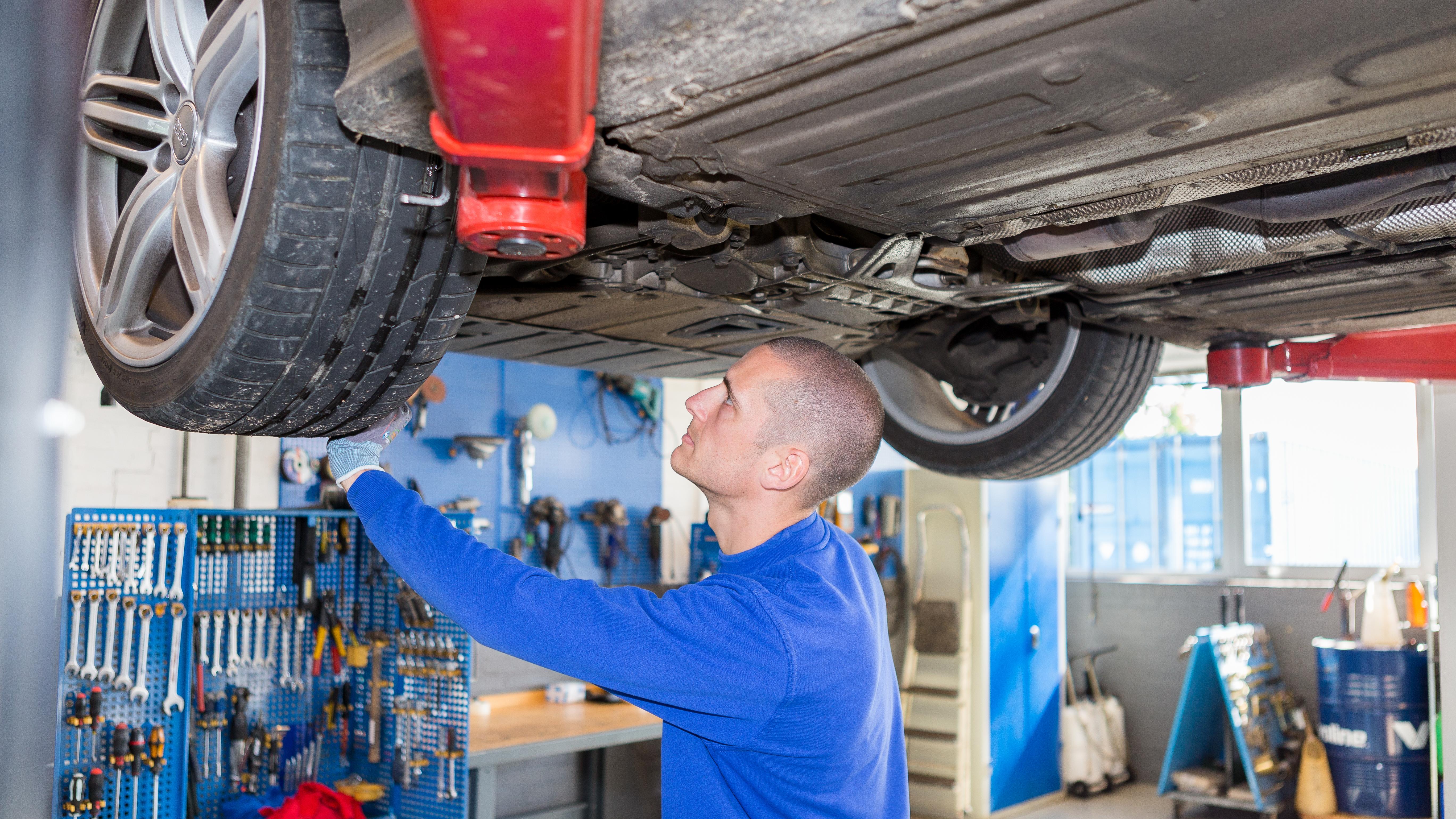 thomas mekaniker autoværksted autoreparation